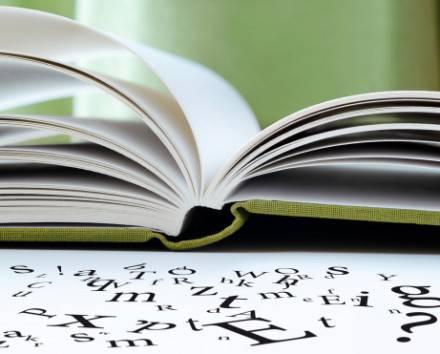 Libro che perde le lettere, difficile da leggere