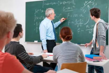 studenti e insegnante in classe