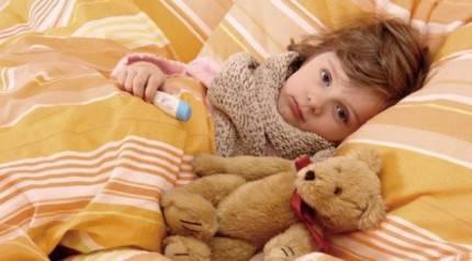 Bambina con l'influenza