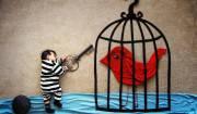 bimbo con uccellino