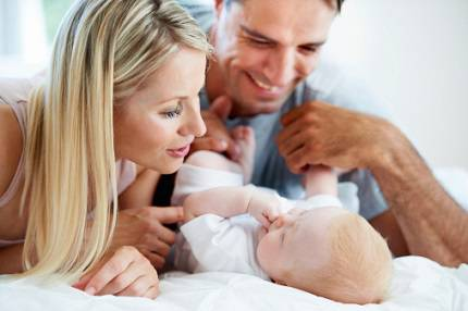 genitori e neonato