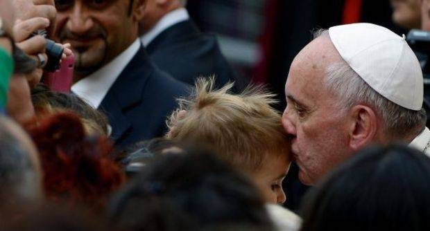 Un bambino e il papa 8