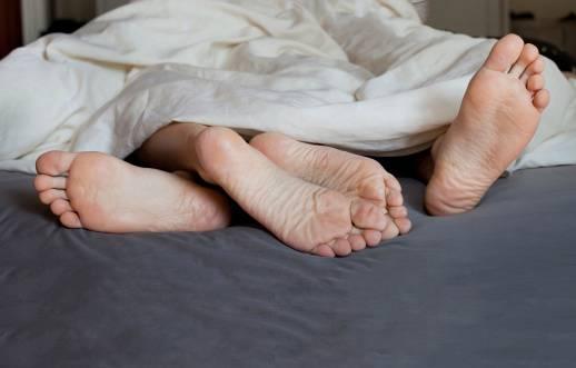 coppia nel letto