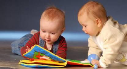 bambino-giocattoli