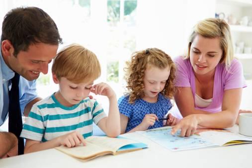 genitori alle prese con i compiti