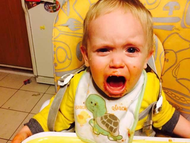 neonato piange