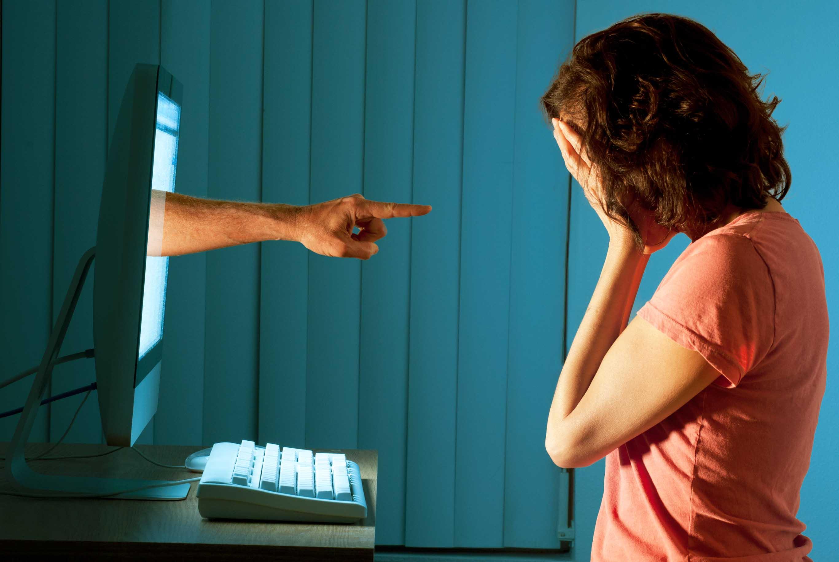 Cyberbullismo, Fedeli: le parole fanno male, rendere consapevoli anche gli adulti
