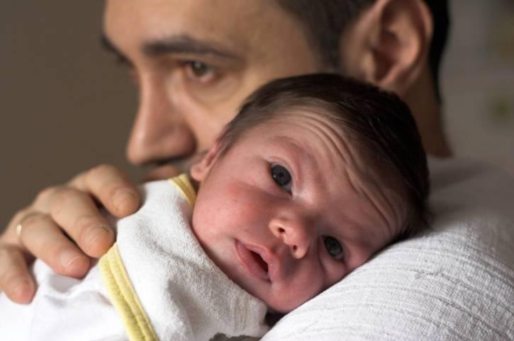 padre e neonato