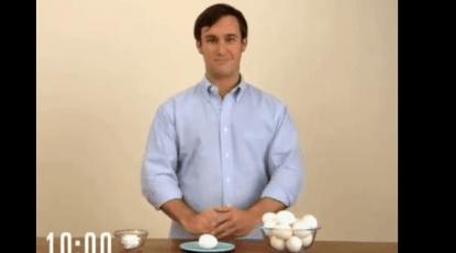 come pelare uovo