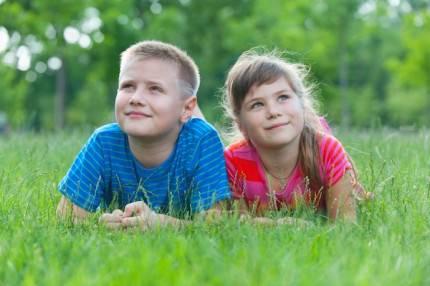 fratello e sorella insieme