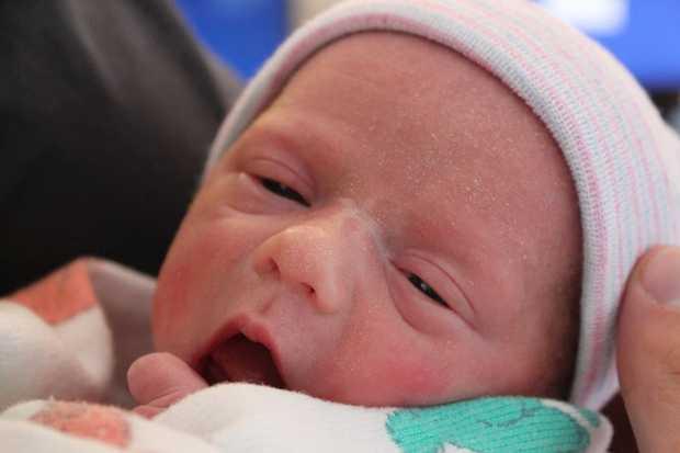 Una mamma in coma da due mesi partorisce un figlio sano e lo allatta – FOTO