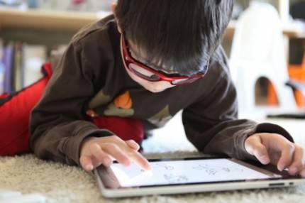 bambino usa ipad
