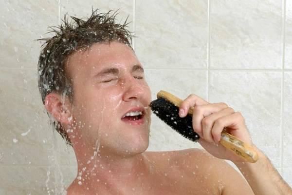 cantare nella doccia