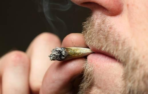 Fertilità maschile e cannabis: quali i rischi connessi allo stile di vita?