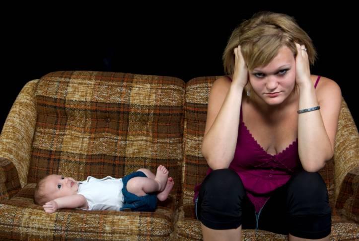Depressione post parto, può insorgere anche dopo 4 anni dalla parto.