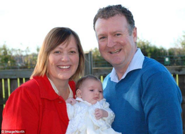 Un papà in punto di morte vuole aiutare ancora una volta la figlia di 3 anni