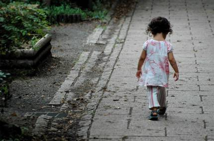 bambino-piccolo-solo