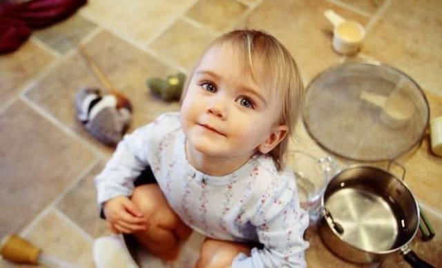 """Polvere e batteri sono """"buoni"""" per la salute dei bambini, lo dice una ricerca!"""