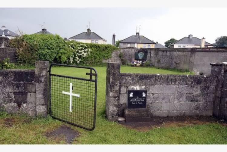 Corpi di 800 bambini ritrovati in Irlanda colpevoli di essere figli illegittimi