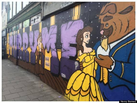 Una proposta di matrimonio originale: un murales da favola- Foto