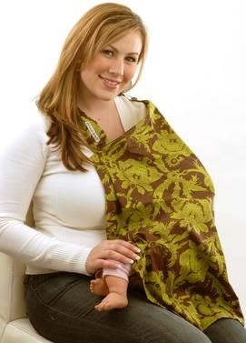 bimbo allattato sotto coperta