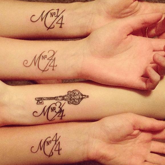 braccia tatuate sorelle