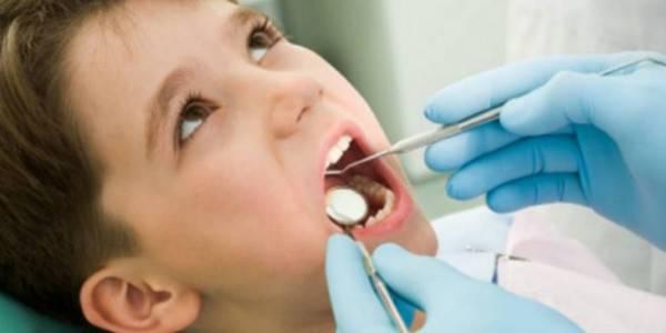 bimbo dal dentista