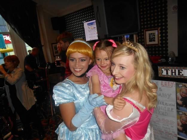 bambine e principesse mascherate
