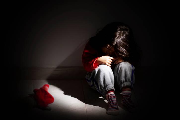 Abusi sui bambini all'asilo, nuovi casi denunciati. Quando la video-sorveglianza diventerà norma?