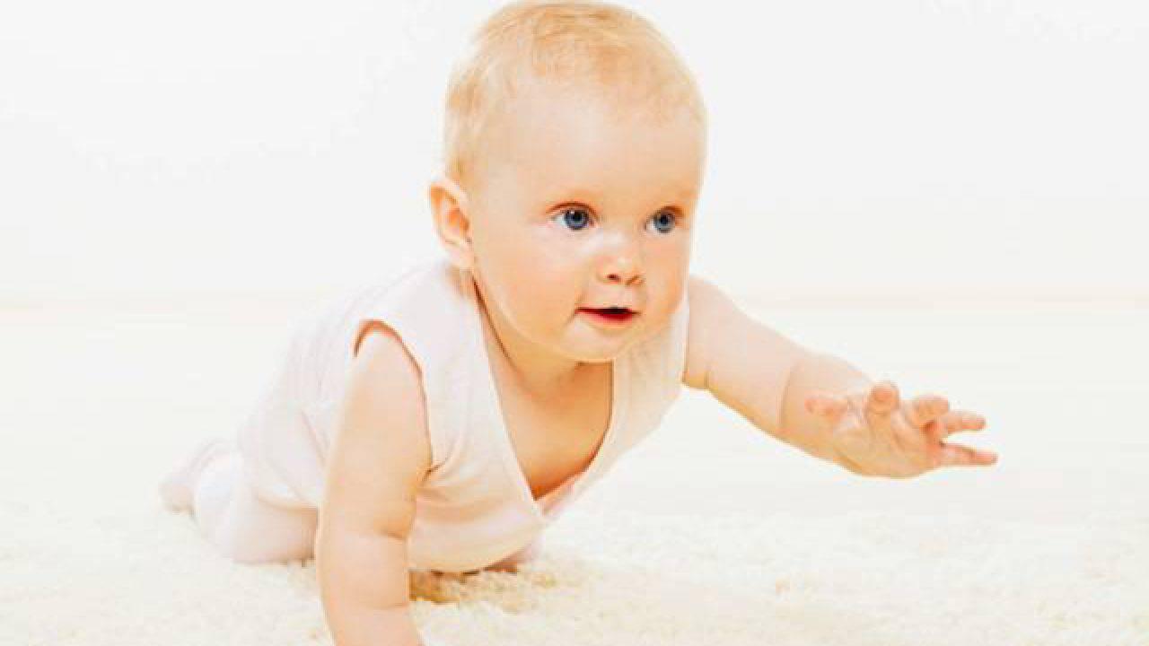 Quando Inizia A Gattonare Neonato una ricerca dimostra che i bambini nati in inverno gattonano