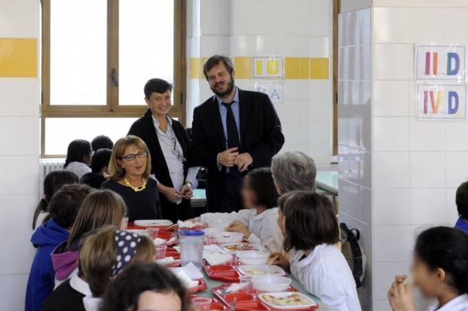 scuola con mensa bambini