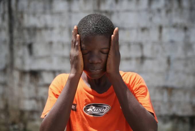 ragazo africano sopravvissuto ebola