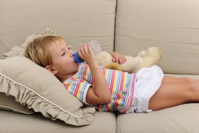 7 consigli degli esperti per togliere il biberon a vostro figlio