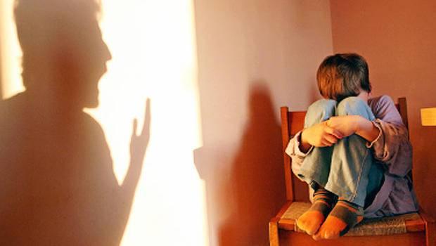 Condannata la maestra che legava e picchiava i suoi alunni