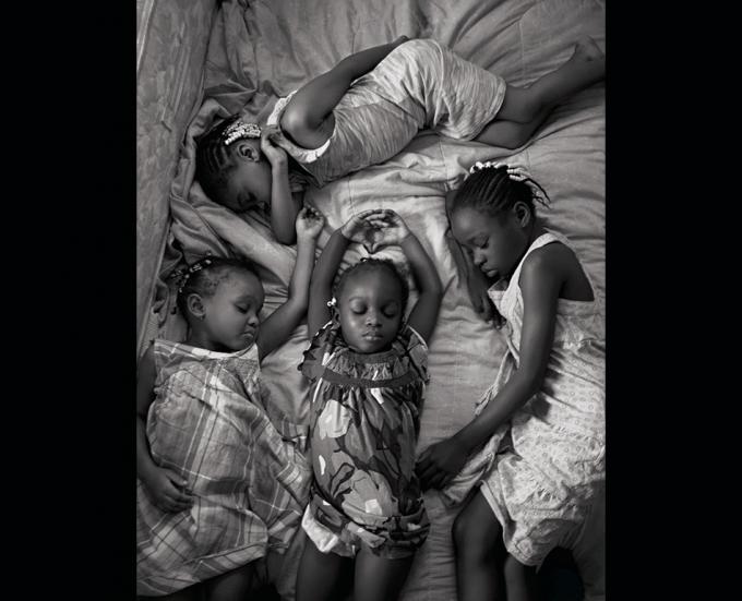 bambine riposano