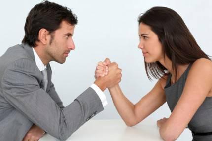 braccio di ferro uomo e donna