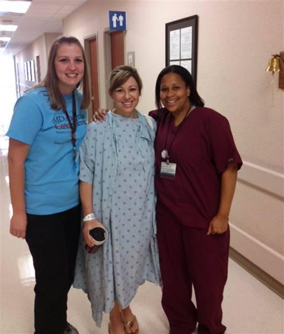 donna insieme medici infermieri