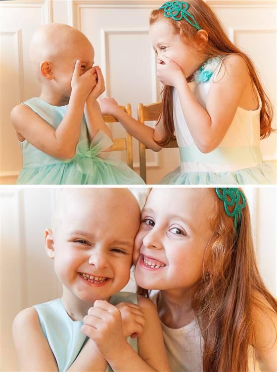 sorelle ridono
