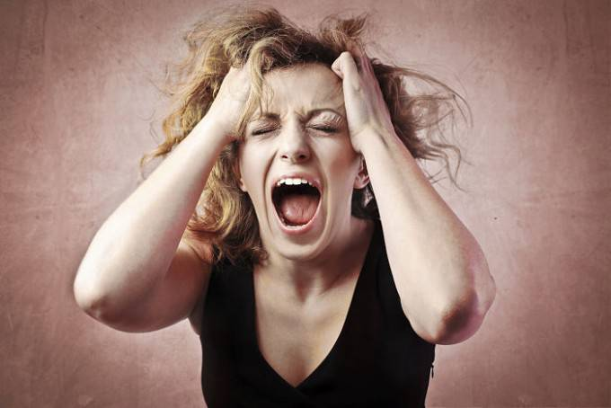 donna urla
