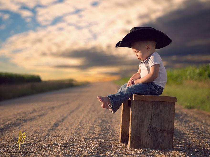 bambino col cappello