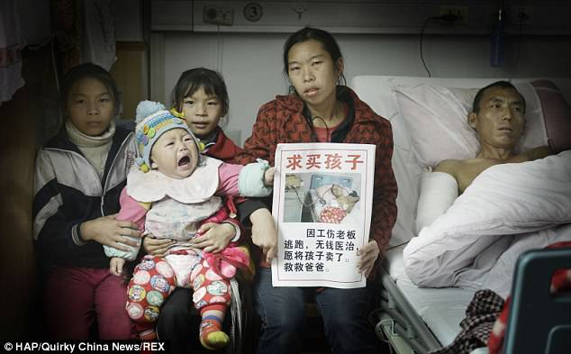 famiglia cinese chiede aiuto
