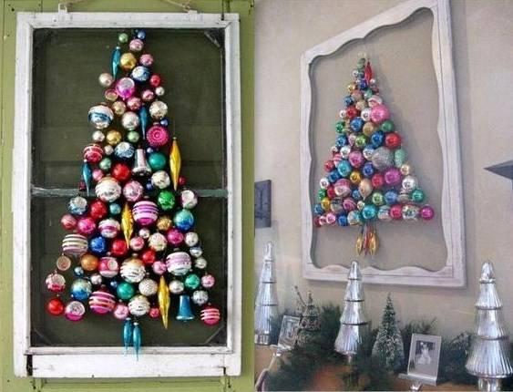 Albero di natale con palle colorate