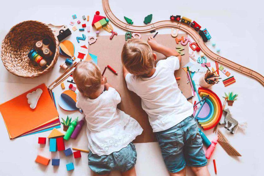 bambini giocattoli