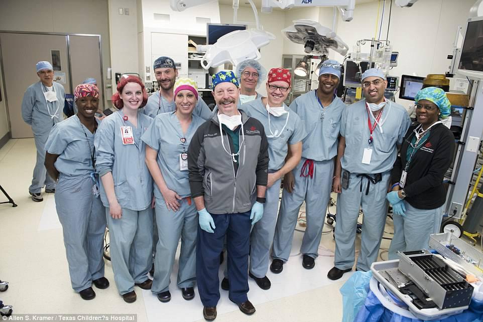 gemelline siamesi: il team che ha operato