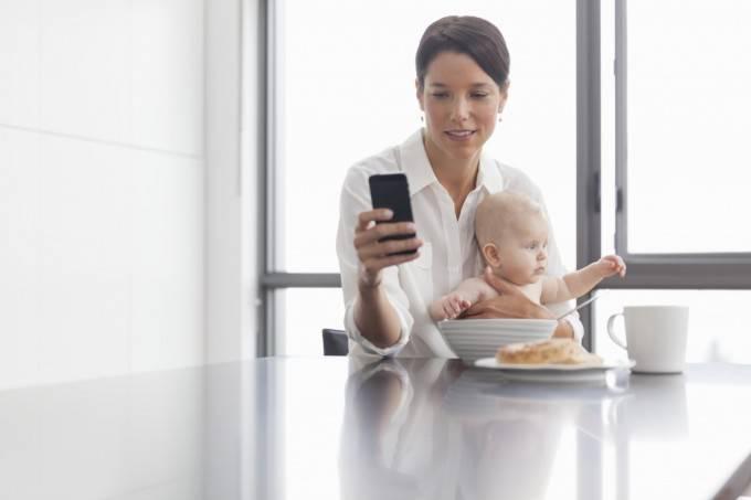 smartphone tra genitori e figli