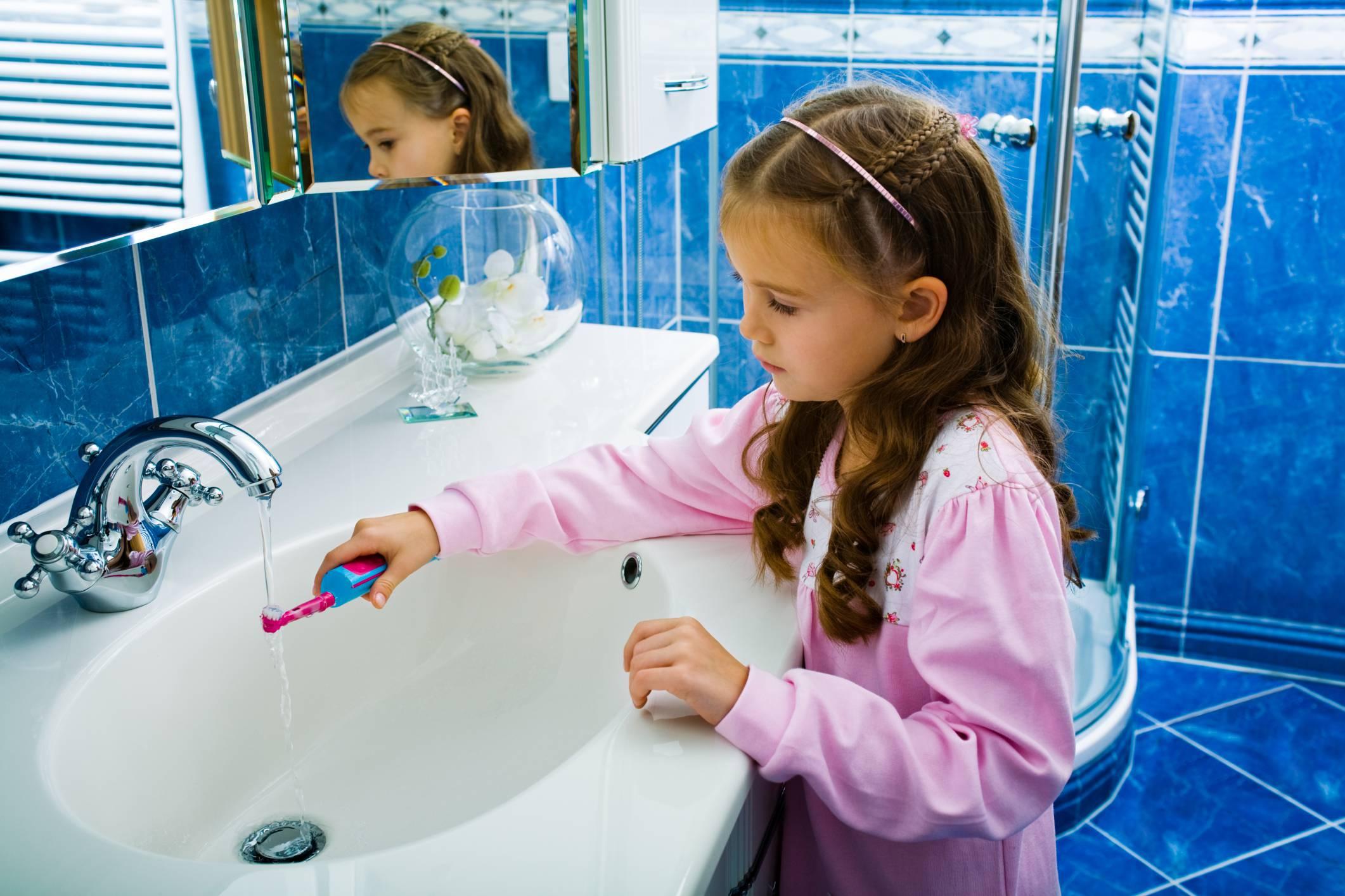 15 consigli su come pulire il bagno e oggetti di uso quotidiano - Come pulire bagno a fondo ...