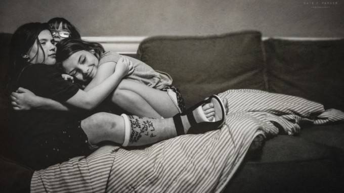 abbraccio bambine