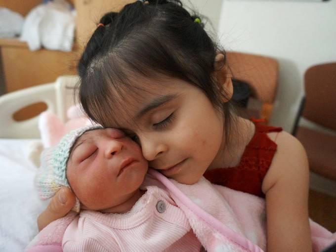 angela morales con la sorella