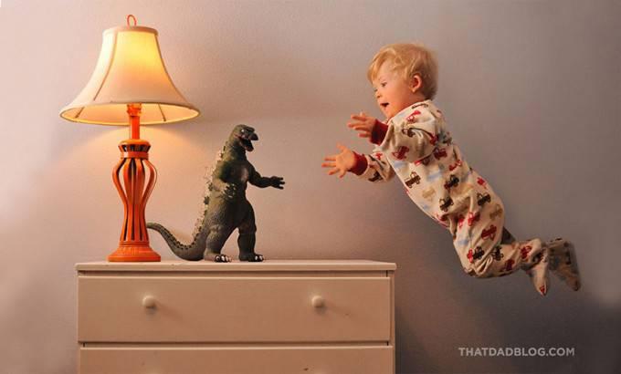 bimbo vola verso dinosauro