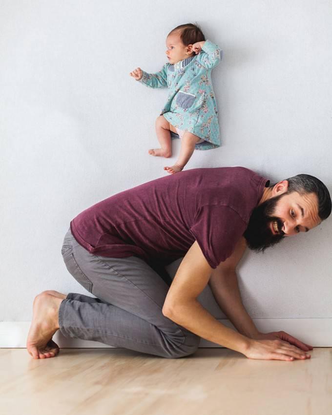 padre gioca con figlio